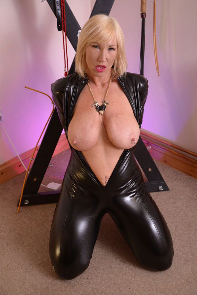 British Latex Porn