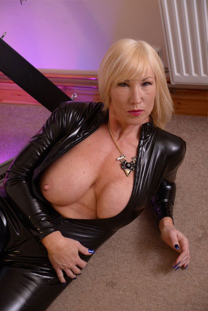Busty goddess in latex mesmerizes you with bbc 4