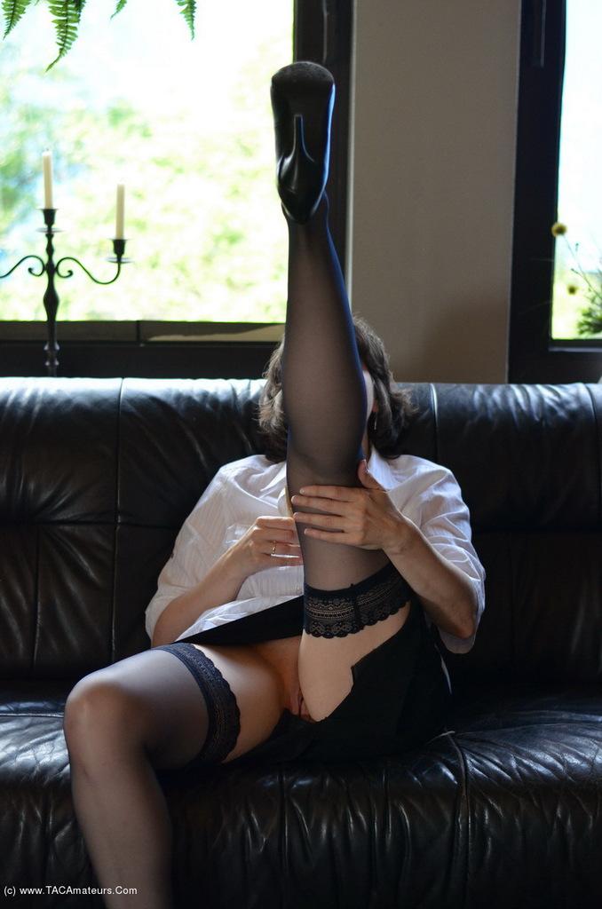 Amateur skirt uk